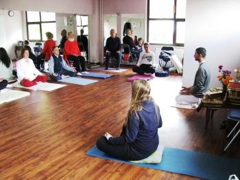 Vodenje meditacije