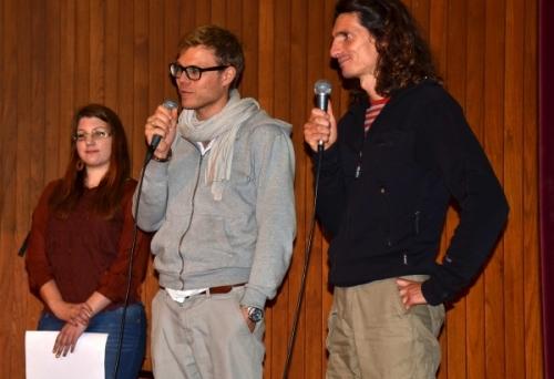 Na koncu pa je Zala Pori - predstavnica AYUDH za Slovenijo napovedala dejavnosti, ki v okviru Amma Evrope potekajo v Sloveniji (tečaj IAM meditacije, satsangi, organiziran prevoz k Ammi v Munchen), nato pa sta skupaj z vodjo AYUDH-a povabila mlade na poletni tabor, ki bo julija v Nemčiji.